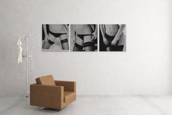 Triple - Een drieluik van vrouw met zwarte kousen en slip
